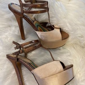 2 Lips Two Copper & Gold Strappy Heels Size 6.5